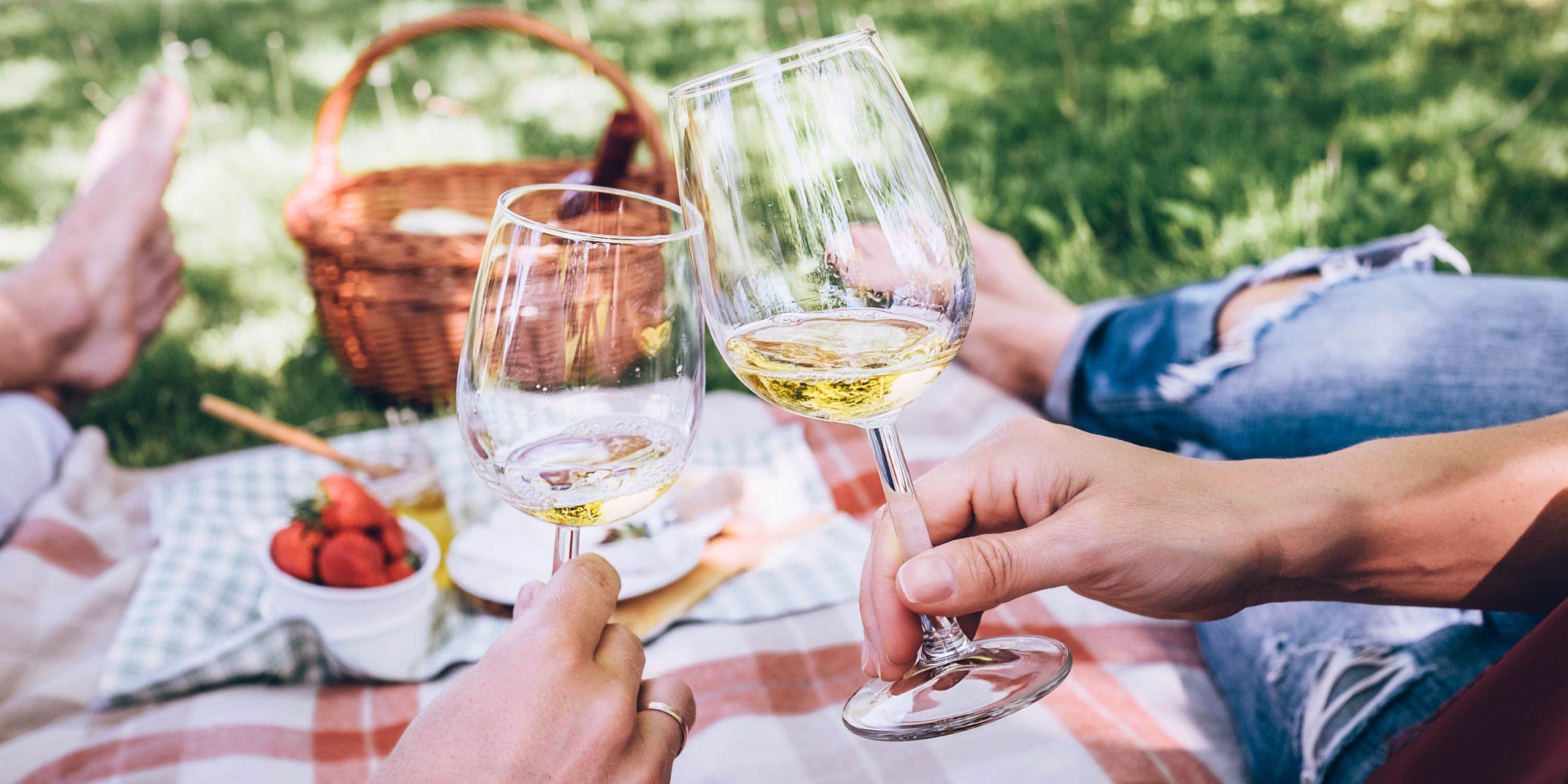 Grigliate, picnic e cene d'estate: gli abbinamenti di vino perfetti